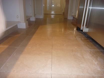 Marble sàn đánh bóng